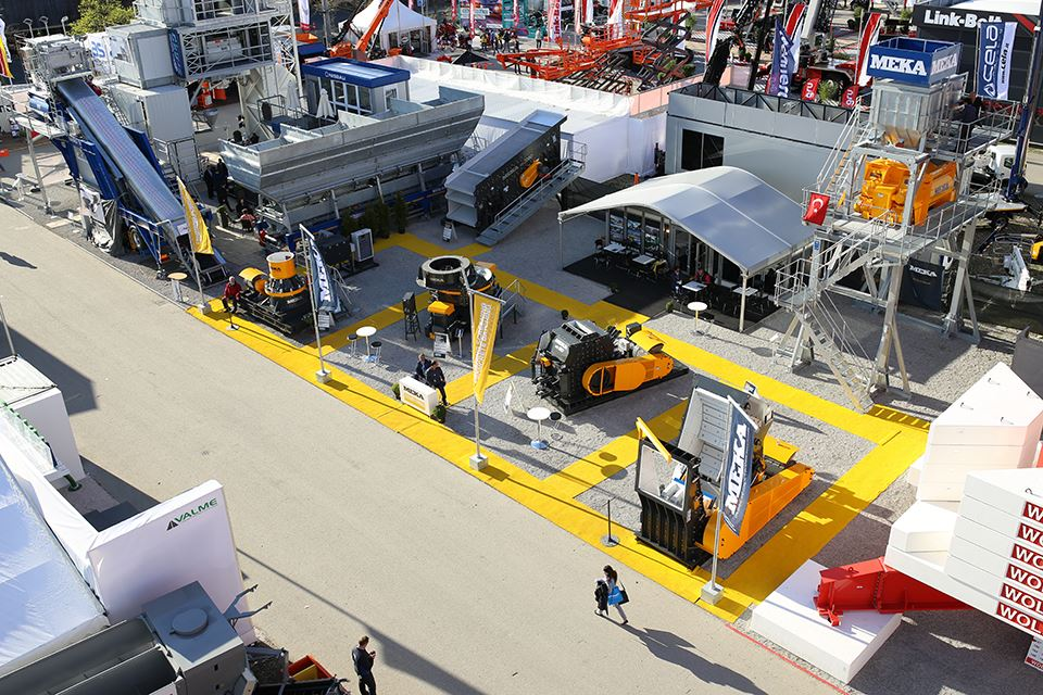 meka-bauma-fair-outdoor-stand-2016
